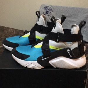Kids Nike Huarache Big City Sneaker